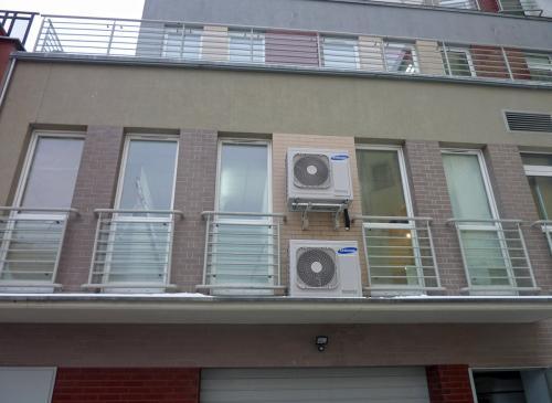 Klimatyzatory agregaty Samsung montaż na wysokości piętra